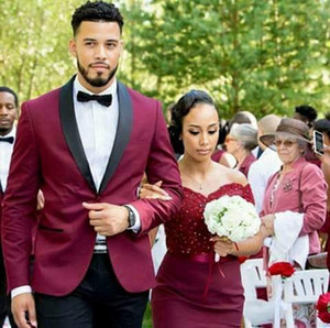 Burgundy Men Wedding Tuxedos Black Shawl Lapel One Button Groom Tuxedos Popular Dress Men Business Dinner Darty Suit(Jacket+Pants+Tie) 319