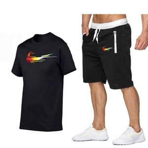 Les hommes en cours d'été Fahion nouveaux hommes de survêtement Deux Sweatshirts COMBI Homme T-Shirt + Shorts Hommes Costume Vêtements de sport Mode Jogger
