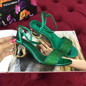 Yeni Varış Bayan Lüks D Tasarımcı Yüksek Topuklu Sandalet Siyah Kırmızı Altın Deri Lady Moda Elbise Sandalet Yaz Terlik Kutusu Ile