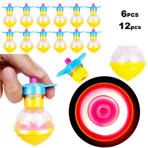6pcs / 12pcs Spinning Tops Light Up rotação crianças brinquedos Flashing Gyro Brilho novidade LEDToys Party Favors crianças presentes