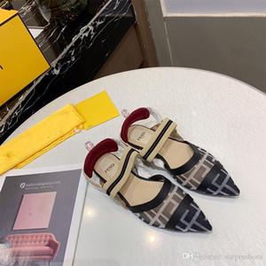 Abito scarpe a punta sexy danza donna di alta qualità primavera estate stella eccellente di modo Sandali europea progettista del partito dell'alto tallone pattini della ragazza