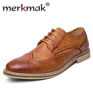 Merkmak Nuove 2018 in pelle brogue Mens appartamenti Scarpe Abbigliamento casual stile britannico uomini Oxfords di modo di marca per gli uomini SH190926