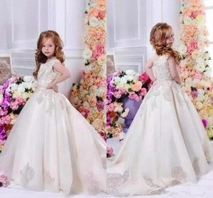 Stain Flower Girl Dresses for Wedding Beautiful Lace Appliques Princess Little Kids Pageant Gown Formal Wear With Long Train