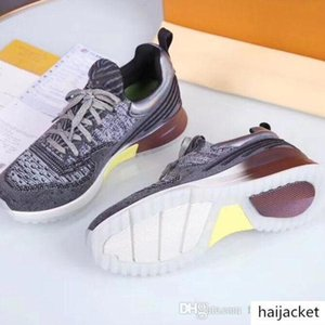 With the luxury luxury designer sports shoes stretch knit low shoes men and women casual sports party designer shoes