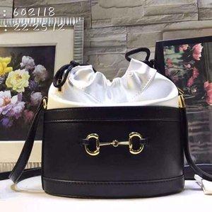 2020 yeni lüks moda bayan omuz çantası deri ve kanvas lüks moda tasarım çanta kadın çapraz vücut çanta ref yaptı. 602118