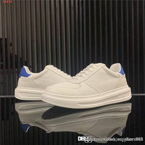 The new mens classic little white shoes with low tops and lace-up flats are leather sports shoes travel jogging Size 38-44