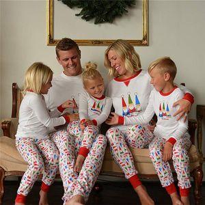 Natal da família Pajama Outfits Papai Noel Impresso pai Momther Crianças Matching Homewear Xmas Pijamas Roupa Set