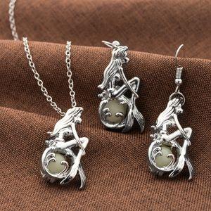Luminous Glow In The Dark Лотос Fluorescent Mermaid ожерелье для женщин ювелирных изделий серебряных цепей Bohemia ожерелье DHL