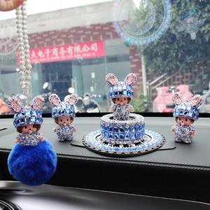 Creativa decoración de diamantes linda Meng Qi Qi perfume del coche asiento de la decoración de cristal coche de dibujos animados suministros damas colgante