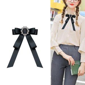 Korean Women's Bow Ties Fashion Fabric Bow Brooch Collar Flower Rhinestone Lapel Shirt Pin Professional Dress Badge Accessories