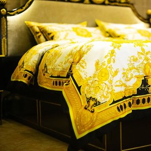 New Luxury Hotel European Style V Gold 5pcs Bedding set Fashion Bed King Queen Size 200&230 cm Duvet Cover Set Brand Design Print