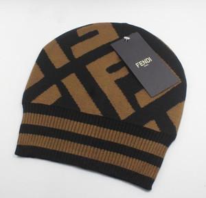 Winter neueste heiße Verkaufsmann und Strickmützen Frauen halten im Winter warm Mütze Schädel Caps