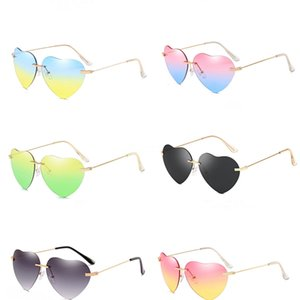 2020 Retro Supermodel Colorful Heart-Shaped Sunglasee Red Lens Flower Rhinestones Sunglass Personality Carved Exaggerated Fashion Eyewear #81