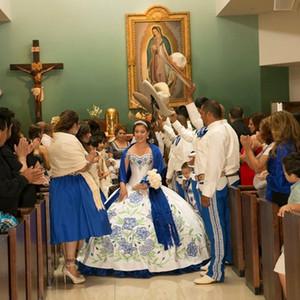 Vintage Bianco e Blu Embroidery Quinceanera Abiti Off Spalla Sweetheart Abito da ballo lungo Abito Debuttante Dress Vestido de 15 Nos