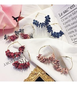 Trendy Flora Pattern Women Earrings INS Fashion Ornament Lady Elegant Earrings Holiday Lovely Charm Girls Pendant Studs Jewelry