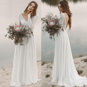 Beach Country Wedding Dresses 2020 A-ligne en mousseline de soie dentelle Top encolure en V à manches longues Backless robe de mariée drapée Illusion Corsage