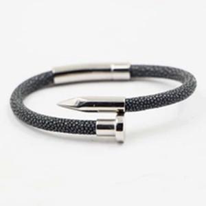 Pulsera de cuero de piel de pez Stingray con brazalete de cierre magnético de uñas de metal de acero inoxidable