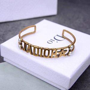 Винтажный роскошь дизайнер ювелирных женщин браслетов дизайнер браслет латунь алмаз для элегантного браслета помолвки моды с коробкой
