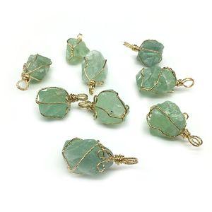 Unico semplice naturale gemma di quarzo filo avvolgimento casuale forma irregolare naturale verde fluorite pietra ciondolo collana gioielli per le donne G