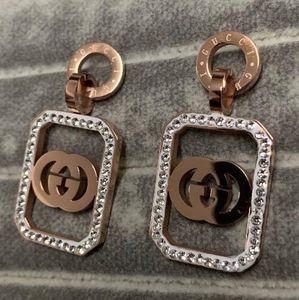 Новое прибытие Верхнее качество CZ камень Большой размер серьги не увядает Модный Стиль нержавеющей стали реальные изображения уха Шпильки для женщин оптовой продажи ювелирных изделий