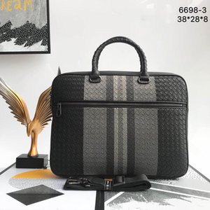 Luxo mens bag laptop bag mens pasta de couro Genuíno de alta qualidade Mens sacos Tamanho 38 * 28 * 8 CM Modelo 6698