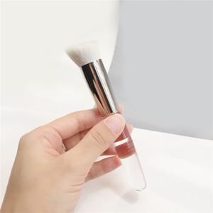 TRISH MCEVOY Perfect Face Brush 71 - Soft A ++ Capelli di capra All-in-one Pennello angolato per Foundation Powder Cream bronzer highlighter blush