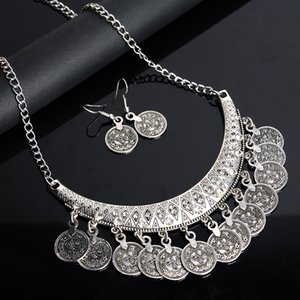 Hot Sale Bohemian Vintage Tassel Chokers Necklace Fashion Ethnic Carved Coins Nice Necklaces Pendants for Women Jewelry Accessories Craft
