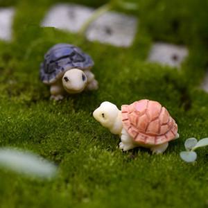 50pcs / lot miniatura tortuga Arte de la resina Decoración del hogar Adornos de Escritorio regalos Mini musgo paisaje terrario Figurita Bonsai Dollhouse