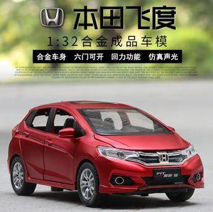 1:32 Honda Fit Metal Aleación Diecasts Vehículos de Juguete Guerreros Lobo Modelo Coche Juguetes Para Niños J190525