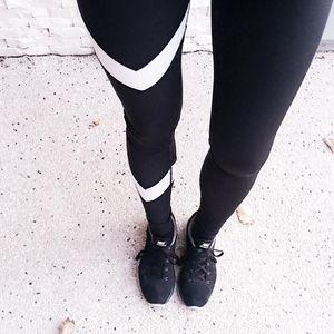 Femmes V profond Blanc Stripe Patchwork Sporting Fitness leggings 2019 Casual mi taille élastique Leggings capris Pantalon noir 3021-B