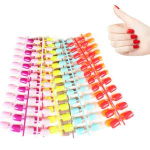 24pcs Kısa Yanlış Çiviler 31 Renk ABS Yapay Parmak İpuçları Basın On Short Round Nail Art Dekorasyon Yapımı Sahte Nails kadar