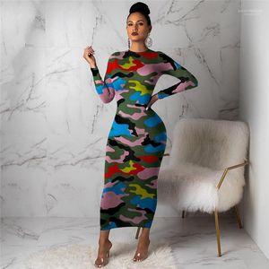 السيدات يلبسن ملابس غير رسمية طويلة كم رشيق الملابس النسائية الغمد الربيع مموهة Bodycon الفساتين متناقضة اللون الأزياء النحيفة