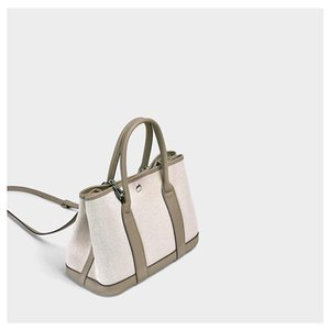 Couro Charm2019 Canvas Genuine ombro Garden Collide Dice Matrix de inclinação único pacote Mulher Mãe Handbag