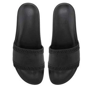 pantoufle Chinelos Verão Nova Moda Homens Mulheres Marca Designer Slides clássico Sandals Praia VER exterior sapatos V6699 Venda Online