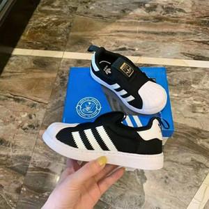 L'alta qualità dei bambini Sport Formatori di moda per bambini scarpe da basket Nuove ragazze dei pattini correnti di Airs Sneakers EUR23-35