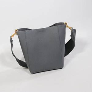 Em couro de vitelo grão macio saco balde bloqueio gancho interno elegante bolso interior plana e zip alça de ombro lã removível 17 polegadas lon