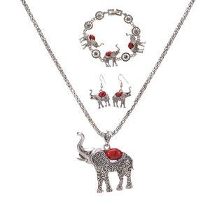 Boho Elephant Pendant Necklace Bracelet Bracelet Set Set di tre pezzi di gioielli esagerati europei e americani all'ingrosso