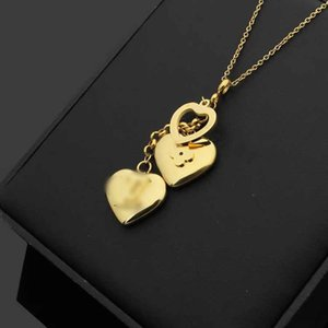 2020 Classic Design Couple Necklace Fashion Extravagant Pendant Necklaces 18K Titanium Steel Plated Women Necklace for Birthday Gift