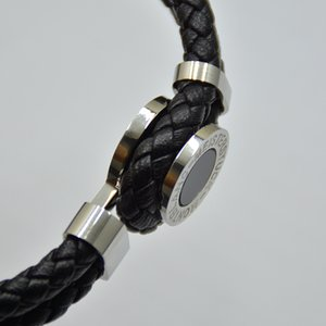 Männer Qualität Toggle-umklammert schwarze Leder Braid Charme-Armband Großhandelspreis Marke Silber-Armbänder für Mann-Geschenk (23 cm lang)