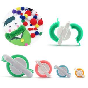 4pcs / set Dokuma Aracı Pompon braider Örgü Yün Topu Makinesi Pompon Maker Imitate Cola Kıllı Aygıt Dikiş Accessories29 Yapımı