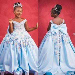 Элегантный с плеча Light Blue Girls Pageant платья специального случая для длины Свадьбы пола 3D Цветочной Аппликации причастие Wear