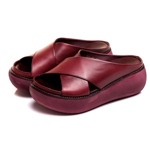 Hot Selling Comfy Soft Leather Platform Thick Heel Beach Sandal Slippers for Women -B5