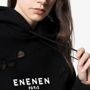 2020 Winter-Europa Paris-Amerikaner spielt die Mode für Männer mit Kapuze Weinlese beschriftet schwarzen Visible Big Gebrochene Holes Sweatshirt Frauen Hoodies