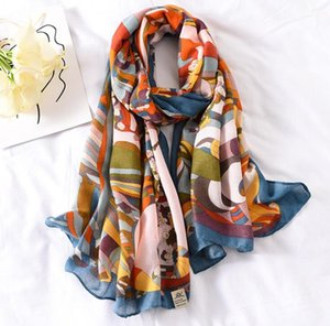2020 The New Cotton Scarf Women Feel Korean Summer Seaside Beach Towel Sunscreen Oversized Air Conditioning Shawl Scarves Dual