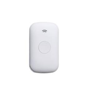 Mini portátil Personal GPS Tracker Smart GPS GSM Dispositivo de rastreo Botón SOS Una tecla de llamada SOS IP65 a prueba de agua