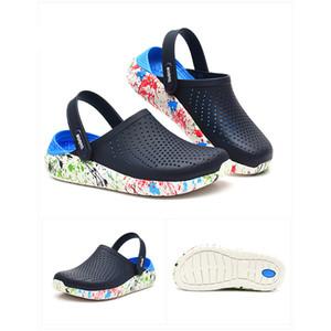 New Men Sandals Coroas LiteRide Buraco Shoes Crok Rubber Clogs para homens EVA Unisex Jardim Shoes Preto Crocse adulto Cholas Hombre T200229