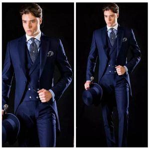 خمر 2020 العريس البدلات الرسمية الأزرق الملكي يرتدى الرجال بدلة رسمية حزب ارتداء العرسان الرجال اللباس