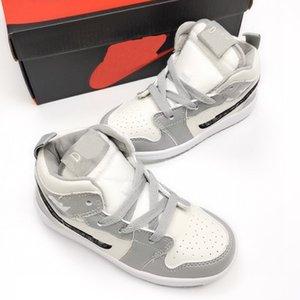 """20ssNew HOT Designer LOGO D A J 1 High OG """"Серый"""" классическая культура дикие случайные спортивные ботинки баскетбола """"Ice Blue D"""" Детская обувь"""
