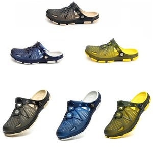 Home Use 2020 del desgaste de hombres las sandalias del verano de las sandalias de los deslizadores caseros medio de arrastre hombres zapatos caseros