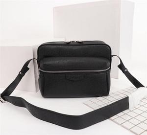 Bolsos de hombro para hombre diseñadores bolsa de mensajero famosos bolsos de viaje maletín crossbody buena calidad PU cuero Postman Square Bag M30233 M30243 M41